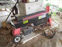 薪割り機.JPG